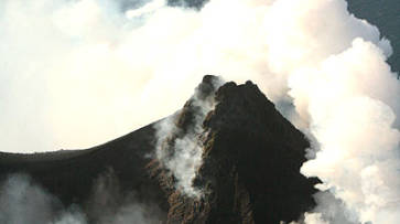 Stromboli, the volcano and its explosions